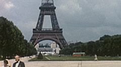 Paris 1959: Eiffel tower and champ de Mars Stock Footage