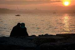 Couple silhouette in Istanbul Stock Photos