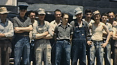 USA 1942: group of workers portrait Stock Footage