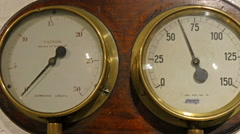 A vaccum indicator on a meter indicator Stock Footage