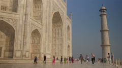 India, groups of tourists visit the Taj Mahal Stock Footage