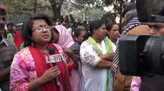 India journalism, female reporter, political rally, protest, press freedom Stock Footage