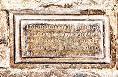 Stone tomb Kuvituskuvat