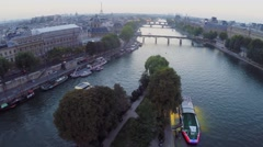 Cityscape with Eiffel Tower and traffic on quay of Seine river Stock Footage