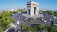 Traffic on Place Charles de Gaulle with Arc de Triomphe Stock Footage