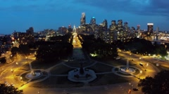 Cityscape with Eakins Oval and Spring Garden street with traffic Stock Footage