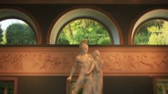 Statue of man and women Stock Footage
