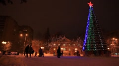 ZHELEZNODOROZNIY.RUSSIA - 2013: New Year tree on the square Stock Footage