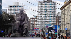 Yakub Kolas Monument in Eponymous Square in Minsk Stock Footage