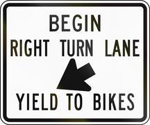Begin Right Turn Lane - Yield To Bikes - stock illustration