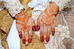 Henna On Hands Of Indonesian Wedding Bride Stock Photos
