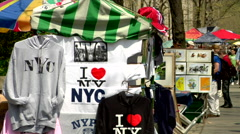 Vendors, artists, NYC, I love new york t-shirts Stock Footage