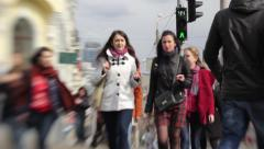 People crossing the street (Shooting on Lensbaby) Stock Footage