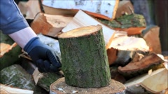 Splitting wood with a axe, manual, firewood Stock Footage