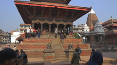 PATAN, NEPAL - MARCH 23, 2015 : Tourists on the Durbar square in Patan, Nepal Stock Footage