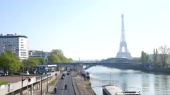 Eiffel Tower and the view of the Seine - Paris morning traffic Stock Footage