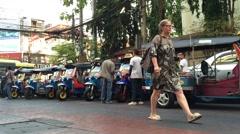Bangkok taxi drivers Stock Footage
