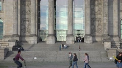 ULTRA HD 4K Tilt up Bundestag building tourist people Berlin parliament facade   Stock Footage