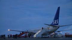 Passengers leave the plane. Arkistovideo