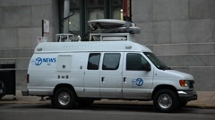 Chicago news truck Stock Footage