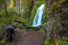 Wahkeena Falls and Footbridge, Columbia River Gorge Stock Photos