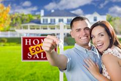 Military Couple In Front of Home, House Keys and Sign Stock Illustration