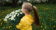 Girl spinning with a bouquet of flowers Stock Footage