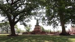 Wat Phai Luang, Ancient buddha temple. Sukhothai Historical Park, Thailand Stock Footage