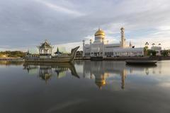 Sultan Omar Ali Saifuddien Mosque in Brunei Stock Photos