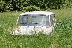 Abandoned old car Kuvituskuvat