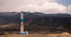 Oil Derrick Crude Pump Industrial Equipment Colorado Rocky Mountains Stock Photos