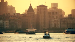 4k Shanghai bund in sunset with Huangpu river Stock Footage