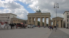 Brandenburg gate in daylight 1 establishing shot Stock Footage