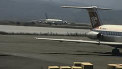 Corfu 1978: aircraft landing Stock Footage