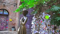 4k view of statue of Juliet in Verona, Italy. UHD steadycam stock footage Stock Footage