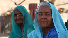 Portrait of two old Indian women in traditional colorful clothing. Stock Footage