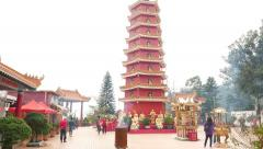 Amazing pagoda tower at Main Plaza in Ten Thousand Buddhas Monastery Stock Footage