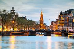 Overview of Amsterdam with Munttoren Kuvituskuvat