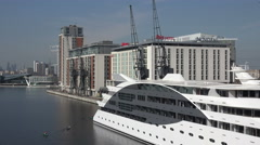 Sunborn London yacht hotel and Ibis, Novotel buildings Stock Footage