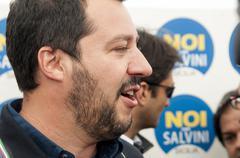 Protesters greet Lega Nord's Matteo Salvini in San Giovanni La Punta Kuvituskuvat