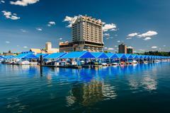 Marina and buildings along Lake Coeur d'Alene, in Coeur d'Alene, Idaho. Stock Photos