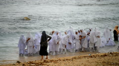 Local young muslim girls bathing in the sea in the Galle Stock Footage