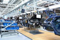 Skoda Octavia on conveyor line in factory Stock Photos