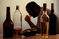 Alcohol drinking problem Kuvituskuvat