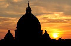 Saint Peter's Basilica skyline silhouette at sunset in Vatican City Kuvituskuvat