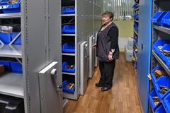 Tool storeroom mobile shelving systems on rails Kuvituskuvat