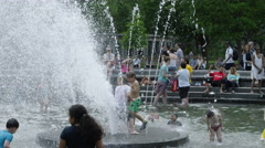 Water falling slow motion kids head children Washington Square fountain 4K NYC Stock Footage