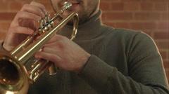 Man Playing trumpet Arkistovideo