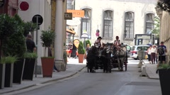 ULTRA HD 4K Vintage chariot Vienna old town narrow street tourism attraction day Stock Footage