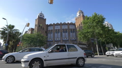 Traffic in front of La Monumental in Barcelona Stock Footage